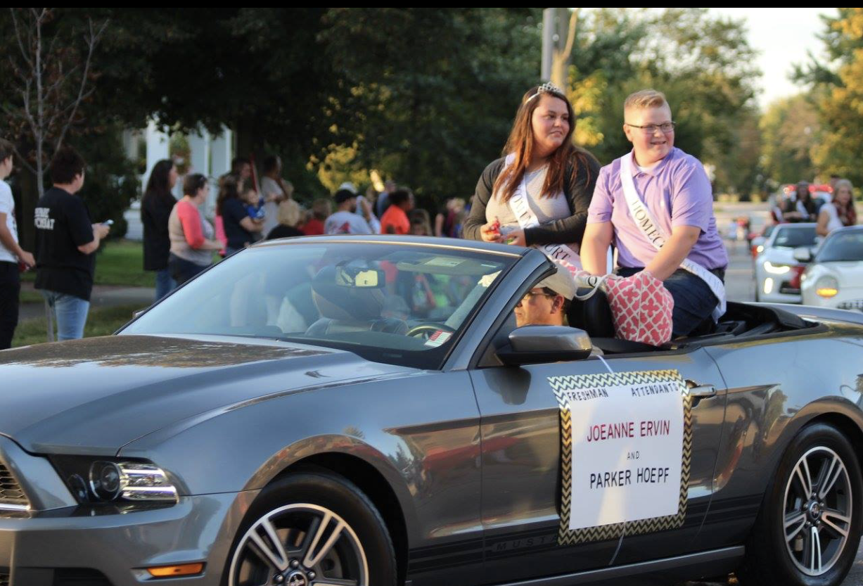 Freshmen Attendants - Homecoming Parade