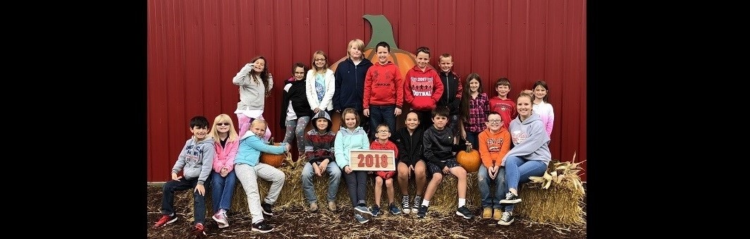 Miss Stechschulte's 3rd Grade Class Visits the Pumpkin Patch