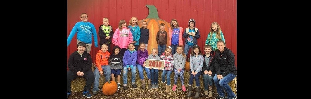 Mrs. Pessell's 3rd Grade Class Visits the Pumpkin Patch