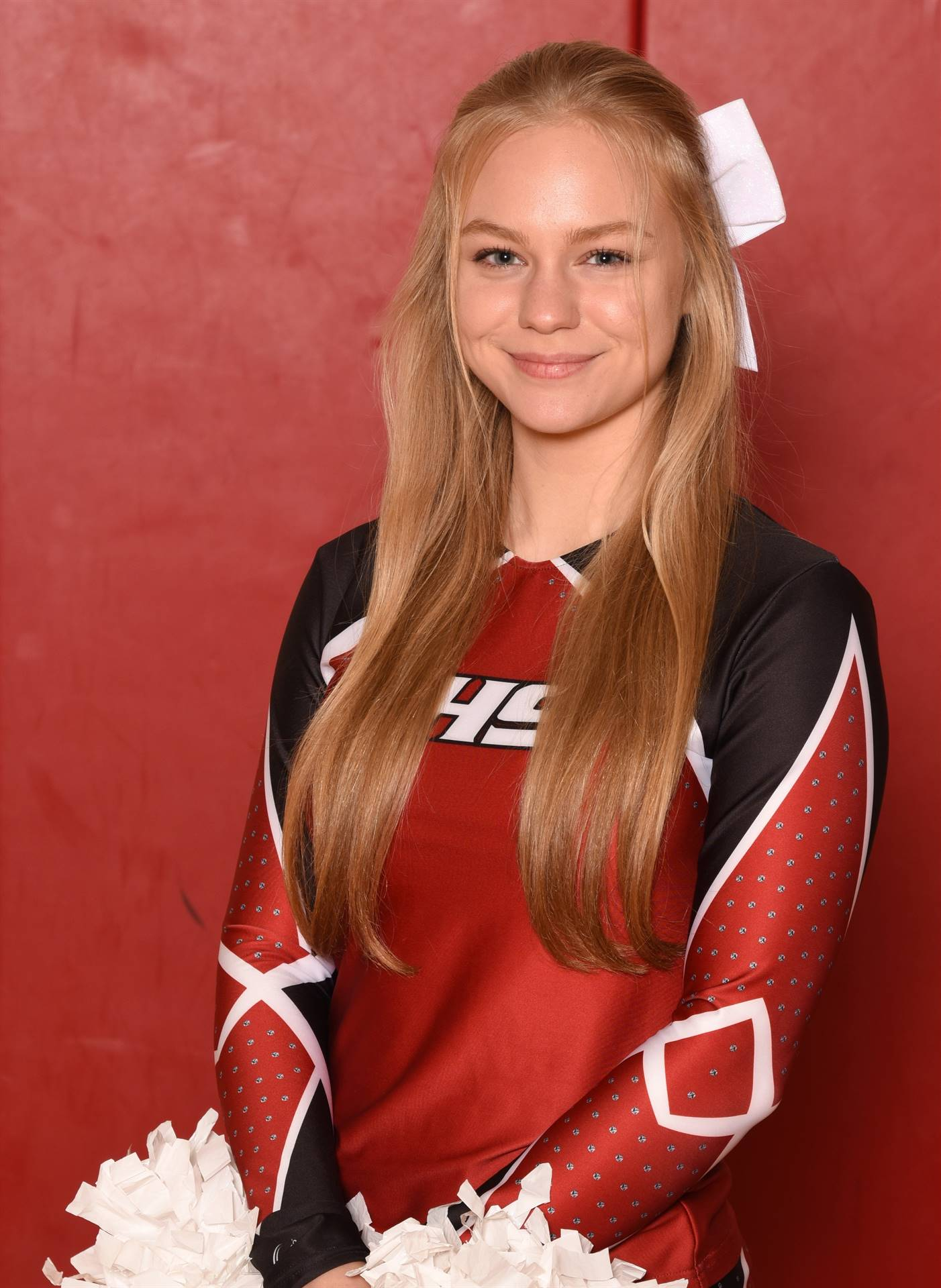 Senior Head Shot Photo Ashton Wolfe - Cheerleading