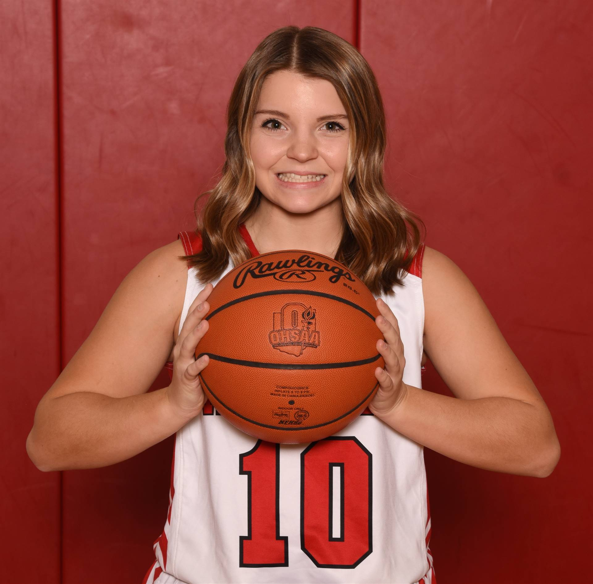 Senior Head Shot Photo - Kayla Brubaker - Basketball