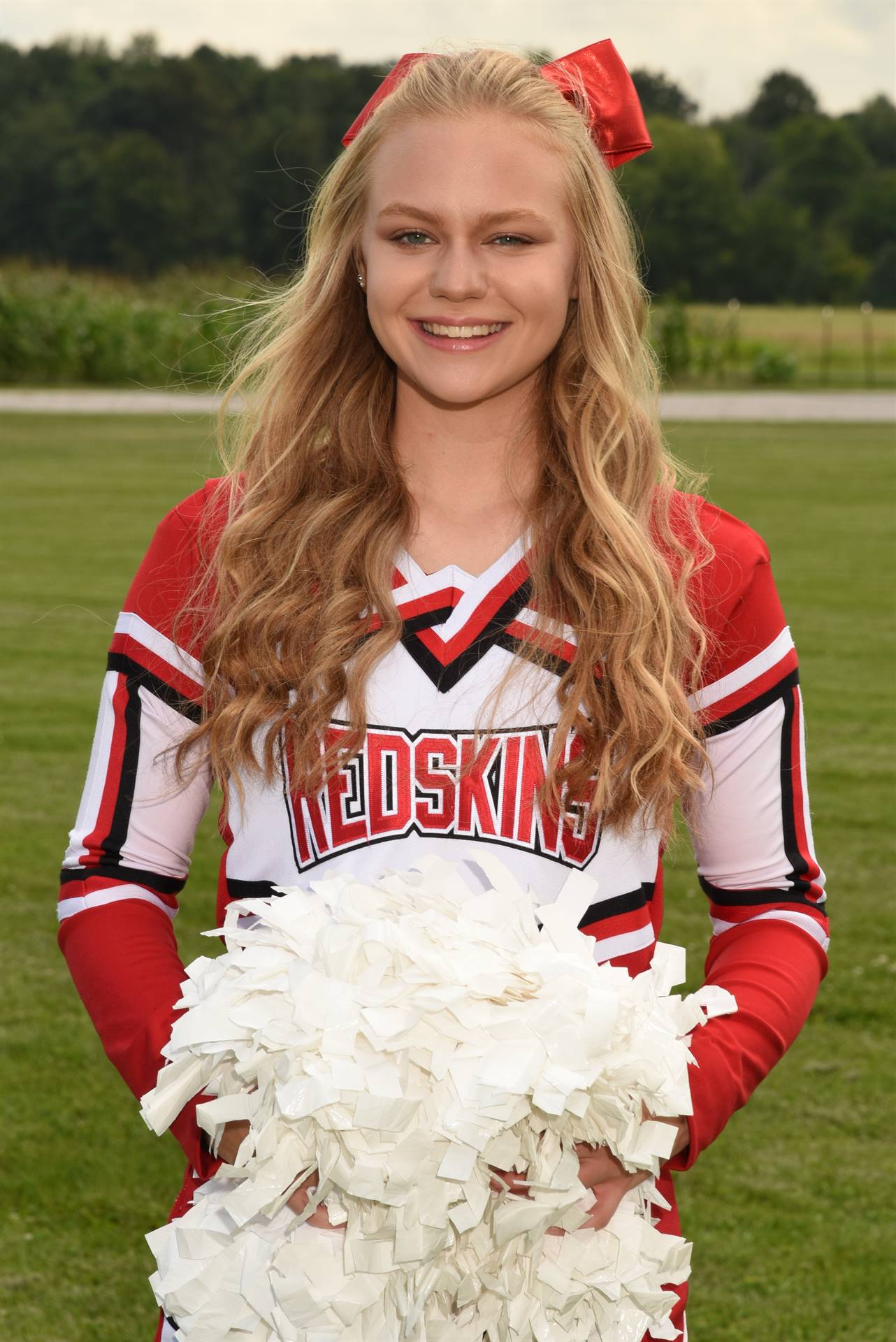 Senior Cheerleading Picture - Ashton Wolfe