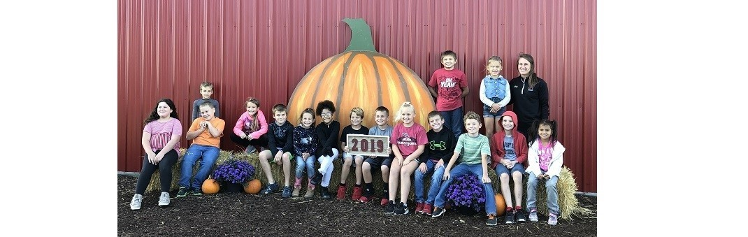 Mrs. Pessell's 3rd Graders Enjoying The Pumpkin Patch